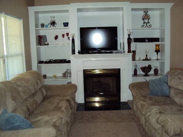Lovely 3 Bedroom 2 Full Bath Cape Cod Kitchen Offers Abundant And Gorgeous Cherry Cabinets Vaulted Great Room With Gas Fireplace